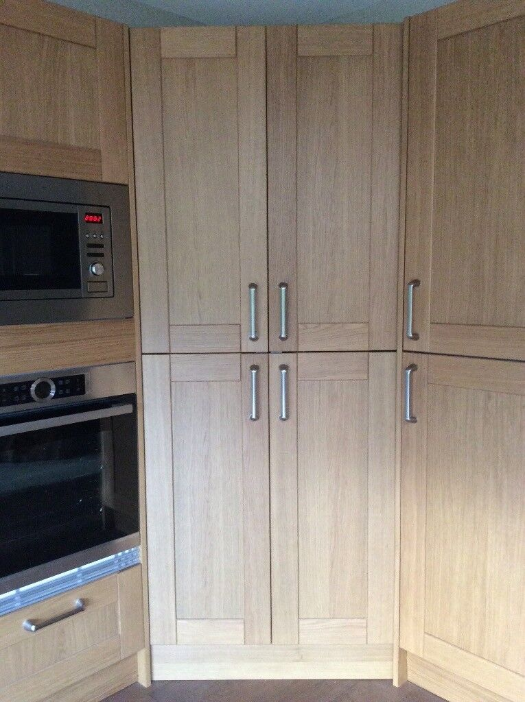 kitchen tall corner unit walk in larder pantry solid oak doors bargain need gone asap in. Black Bedroom Furniture Sets. Home Design Ideas