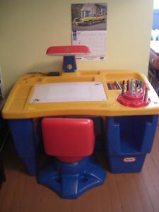 Bureau de travail pour enfant, little tike
