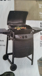 CHARBROIL 40,000 BTU GAS BARBECUE  NEW IN BOX $175.00 PAID $298