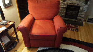 Beautiful Thick/Comfortable Recliner Chair