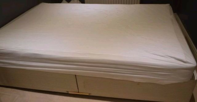 Divan double bed. Not mattressin Bradford, West YorkshireGumtree - Divan double bed. Two parts. Not mattress. Used condition good. Collect bradford not possible deliver NOTE not waster time Fast must go