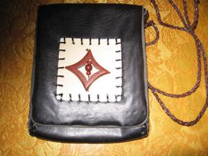 Petite sacoche en cuir