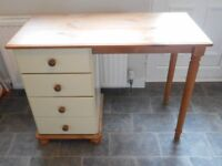 Table with draws FREE