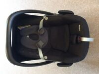 maxicosi pebble car seat and matching foot muff