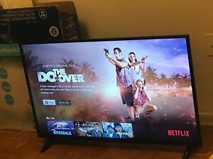 Smart tv 40 inch westing house 1080p just 10 days old