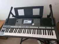 Yamaha psr s970 keyboard small Tyros5