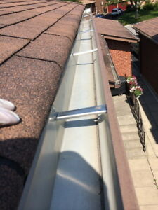 ☼☼☼ Eavestrough Gutter Cleaning, Repairs & Installation ☼☼☼