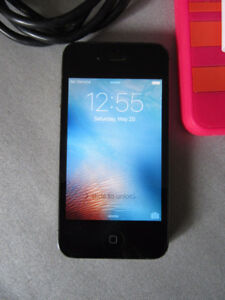 iPhone 4S black - excellent working phone - Bell Virgin