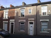 3 bedroom house in Hertford Street, Blackburn, BB2 (3 bed)