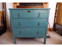 Sweet vintage chest of draws