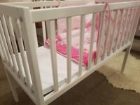 Baby Cot / Crib for sale **MINT CONDITION** for new born+