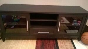 TV Stand (Pickup Barrie)