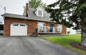 Attractive 2 Storey Brick Family Home in Port Hope