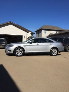 2010 Ford Taurus SEL (leather)