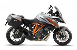 2017 KTM 1290 SUPER DUKE GT + BONUS FREE ACCESSORIES