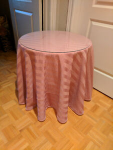 "24"" decorator table and drape topper"