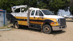 2006 Ford F650 Service Truck with Cat C7 engine