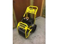 CHAMPION 76503 PETROL PRESSURE WASHER. EXCELLENT CONDITION.