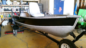 14 foot Lund Fishing Boat for sale