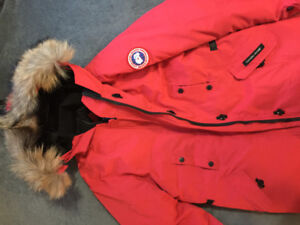 Brand New!! Canada Goose Women Style Kensington Parka (Red)