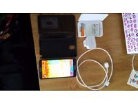 Samsung Galaxy Note 3 UNLOCKED + Extra Battery + Battery Charger Case + Case