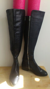 024. Michael Kors Bromley black leather boots (Size 5.5)