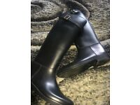 Stunning burberry riding equestrian boots