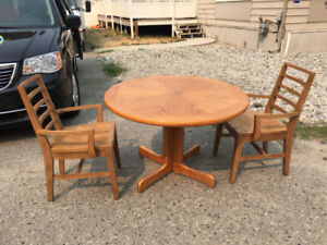Oak table & not matching wood chairs + more items