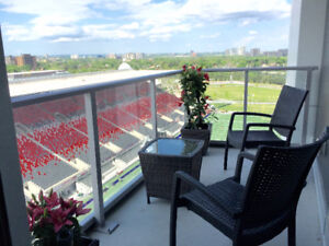 Front row seats to Lansdowne! 2 bed condo at The Rideau!