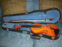 VIOLIN CASE AND BOW,3/4 SIZE, GOOD CONDITION