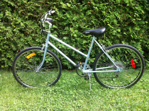"""""""Supercycle"""" Commuter"""" Bike/ Velo /Bicyclette / Bicycle 26"""""""