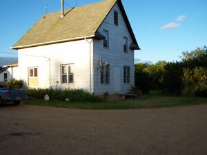 21/4 story eatons  house on 14 acres