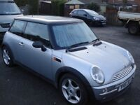 MINI HATCHBACK 2001