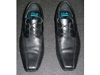Almost New, Clarks Mens Black leather 'Forbes Over' Derby shoes (UK: 10, Fit: G)