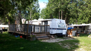 32' foot Mallard Trailer for sale with bunks