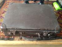 Antique/Vintage Suitcase, Shabby, Retro