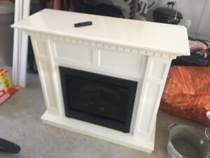 Dimplex electric fireplace with remote