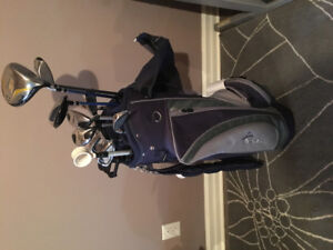 Sac et ensemble de bâtons golf droitier