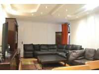 CLASSY 3 BED FLAT W/ PRIVATE GARDEN in NW10 QUEENS PARK