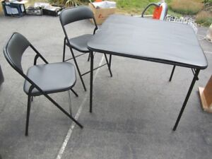 Folding card table & 2 chairs