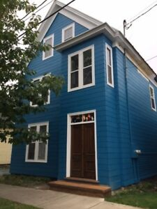 2-366 Saunders St- 4 Bedroom, Downtown, Available Nov 1
