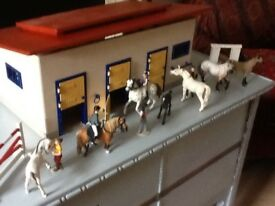 Schleich horse riding stables + horse figures + human figures + accessories