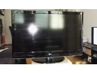 "LG 42"" LCD FullHD 1080p Perfect Working order"