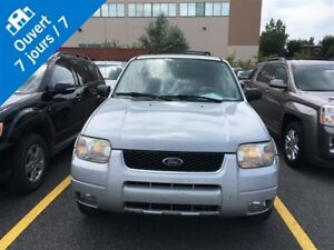 2004 Ford Escape Limited *** LIQUIDATION ***