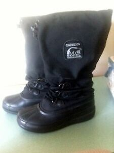 Size 9  Men's Sorel  Winter Boots: