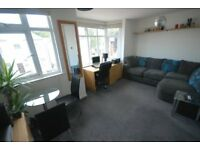 1 Bedroom flat with parking on Robinson road, Colliers Wood, SW17