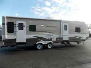 2017 FOREST RIVER SHASTA REVERE 27RL TRAVEL TRAILER