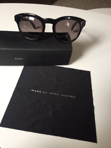 Marc Jacobs Round Sunglasses- new