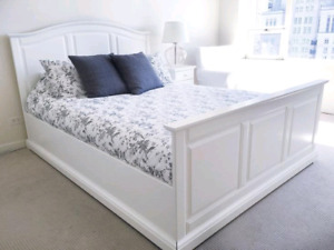 IKEA QUEEN BED WITH LATTES (no matress)
