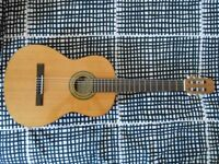 Acoustic guitar (nylon) with gig bag